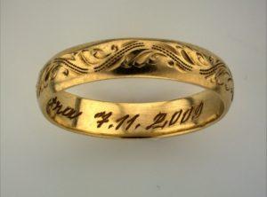 Golden ring illuminated by SUNFLOWER illuminator